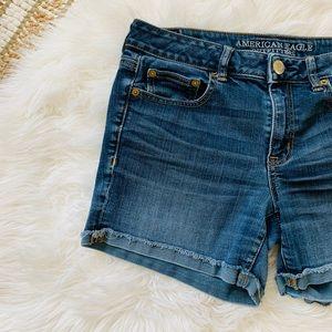 American Eagle Boy Midi Stretch cuff Jean Shorts